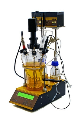 Innovative laboratory bench-top bioreactor LAMBDA MINIFOR